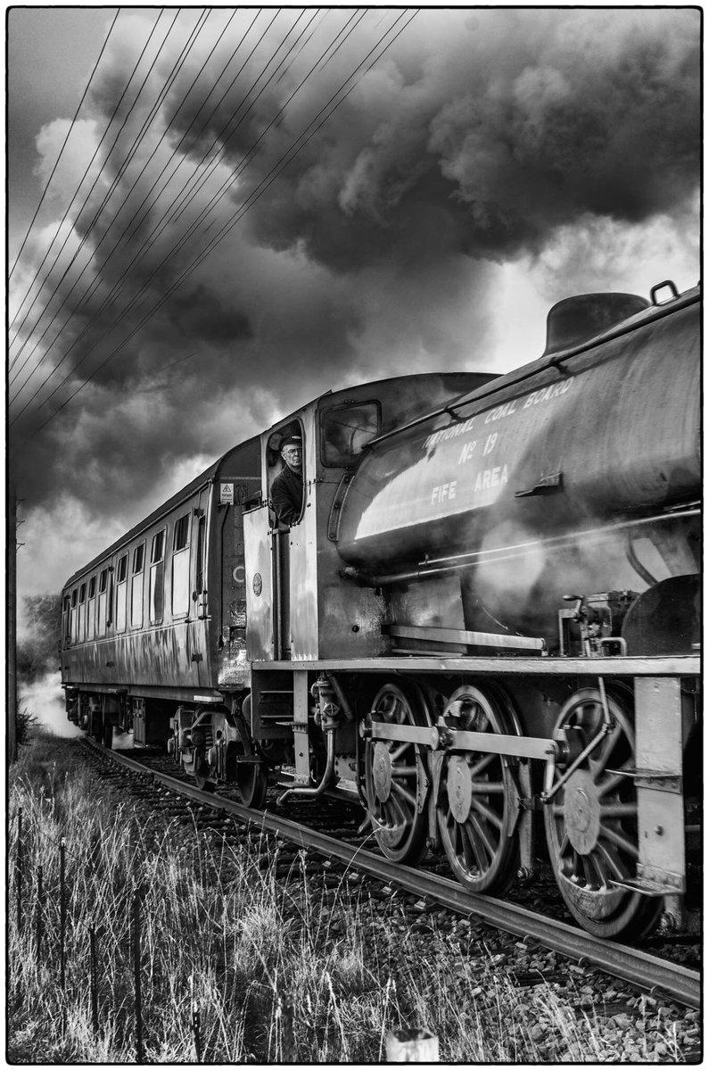 test Twitter Media - RT @peterbaird5: Down Bo'ness catching the steam train leaving @VFalkirk @bonessrailway #steam trains https://t.co/bFHKhaXfb9