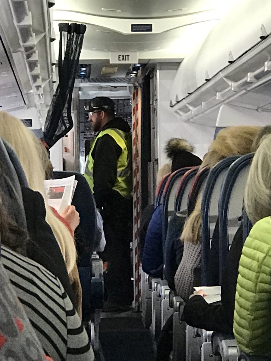 Loose Bird in Cockpit Forces Delta Captain to Turn Plane Around