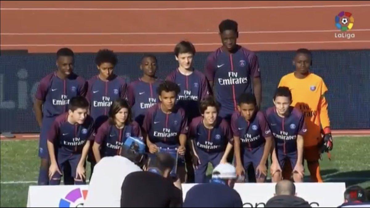 La taille du numéro 20 des U12 du PSG. 😳
