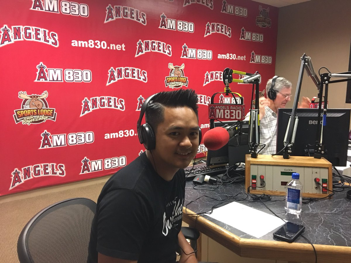 Chef Ross Pangilinan is going LIVE on the @SoCalRestaurant Show at 10:30am! Tune in to @AngelsRadioKLAA or listen in here: https://t.co/dckSuoDosK https://t.co/ba9XoiQ0Wp