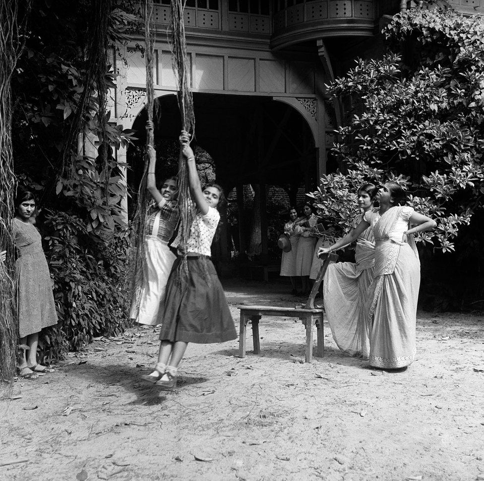 Jamal Jafri On Twitter Swinging From Aerial Roots Of A Banyan Tree Outside The Dean S Bungalow Kipling House Sir J J Institute Of Applied Art Mumbai Rudyard Kipling Was Born On This Campus Onthisday