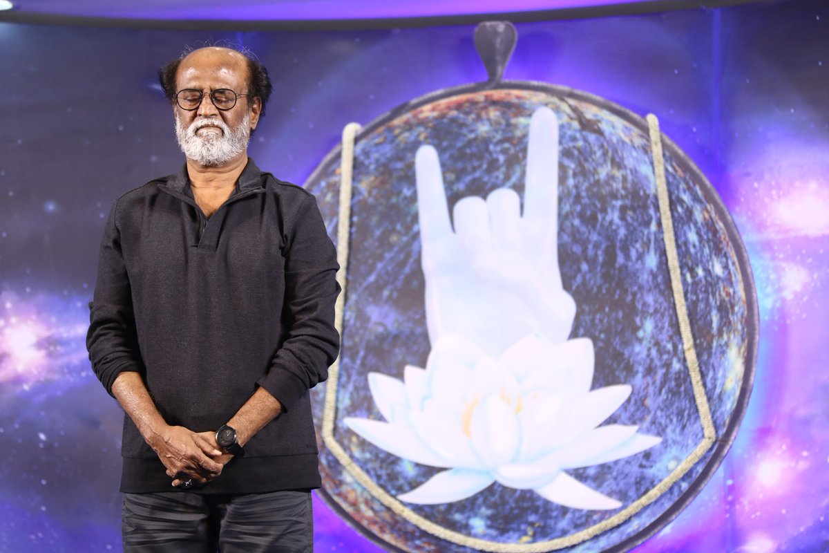 #BREAKING - Rajini The Prophet Visualizes War, becomes Thalapathy Again