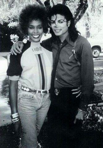 Whitney Houston et Michael Jackson #histoire #musique pic.twitter.com/1dauefIl7n