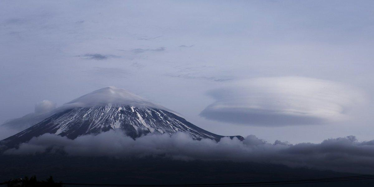 大晦日の富士山  笠雲と吊るし雲  #fujisan #富士山  12/31 2017