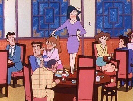 「忘年会はつかれるゾ」 忘年会をしてる幼稚園の先生達と一緒にご飯を食べることになったオラと父ちゃん。だけど、お酒を飲んでどんどん酔っぱらってっちゃった先生達は…