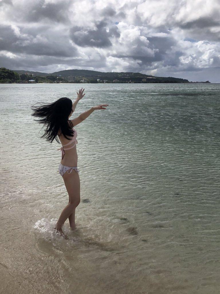 黒木麗奈の水着姿でわかる超スレンダーボディ画像