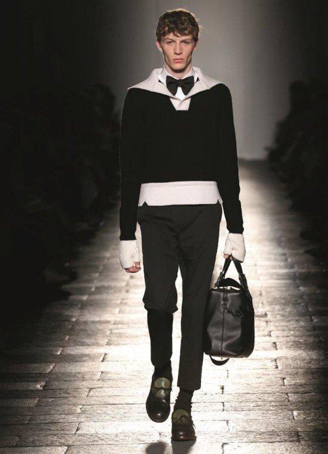 【#NHK紅白】司会の嵐・二宮和也は「ボッテガ・ヴェネタ」2017-18年秋冬コレクションを着用 https://t.co/2gAXENaHYW #嵐 #NHK #紅白