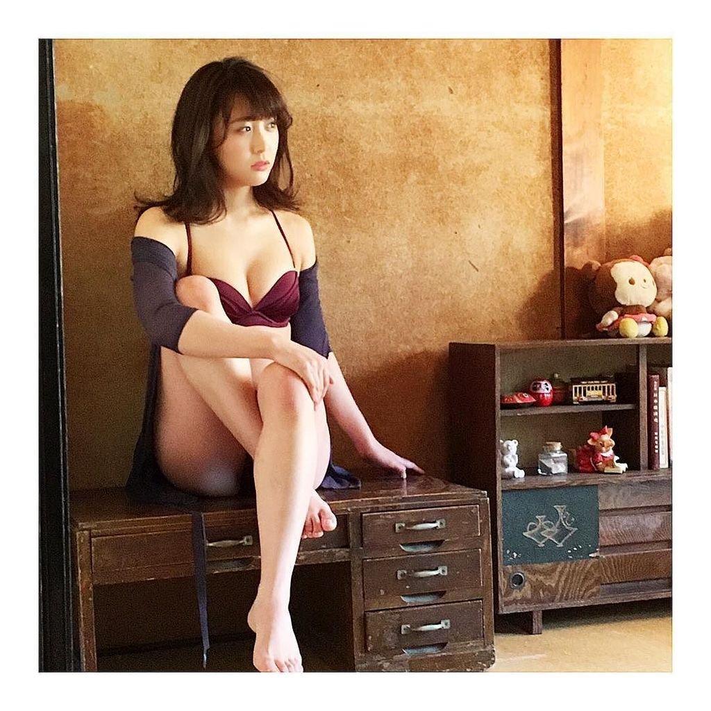鎌田菜月さんのビキニ