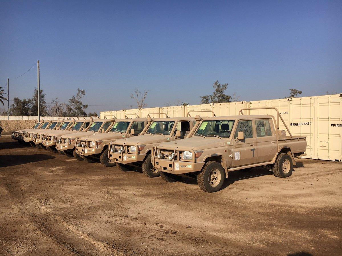 قوات التحالف الدولي تدرب وتجهز قوات حرس الحدود العراقيه  DSYrB19U8AcS3mT