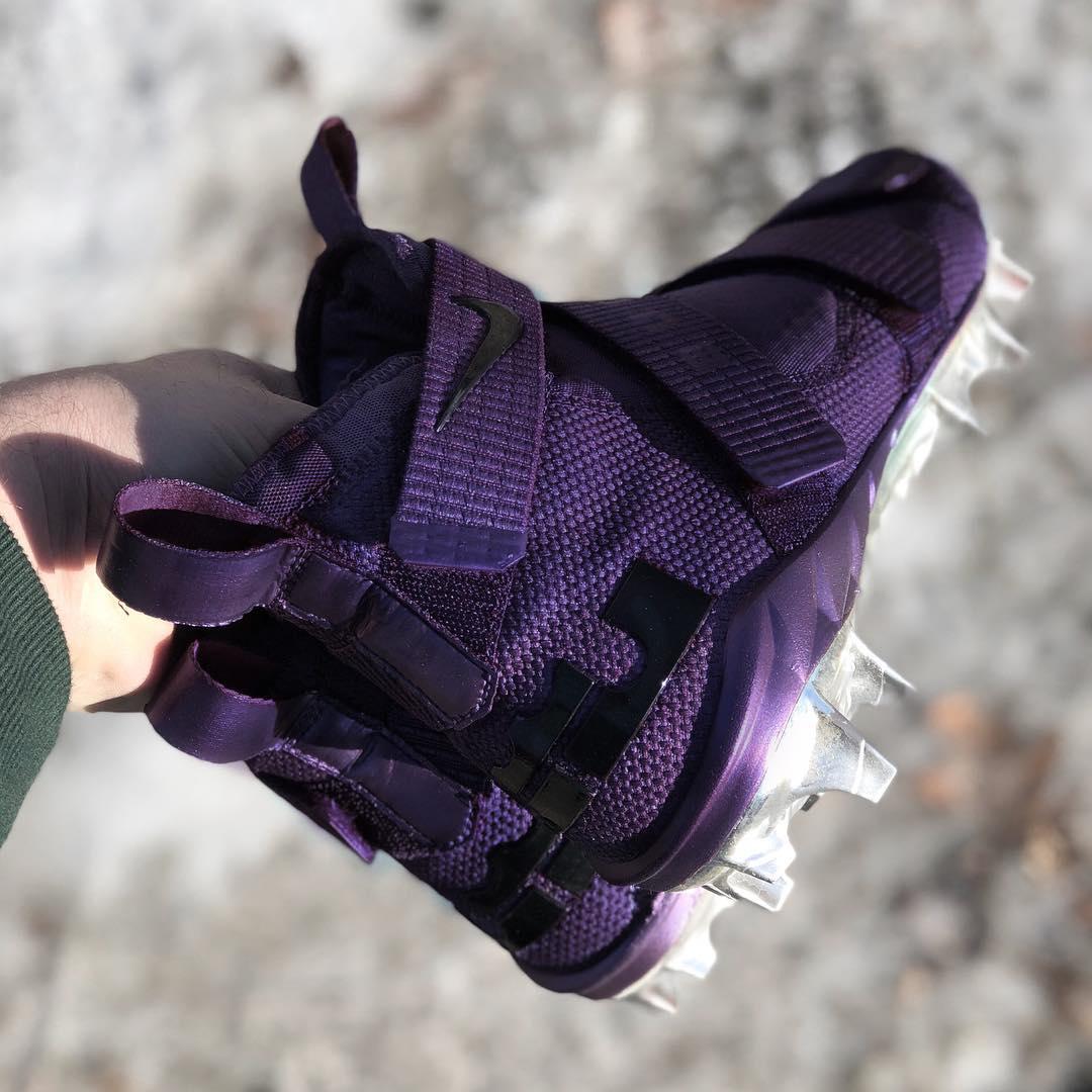 online store 3828f 49e26 Nike Lebron Soldier : Vikings purple Nike LeBron Soldier ...