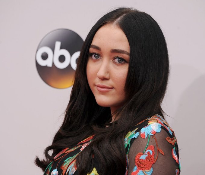 Happy 17th birthday noah cyrus hope you are having great opportunity in the world luv ya!