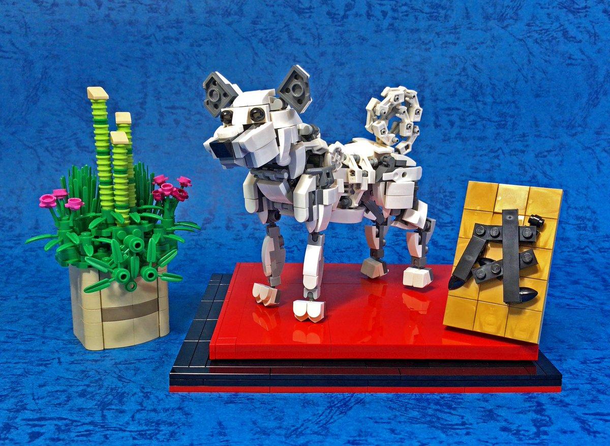 新年明けましておめでとうございます。 本年も何卒よろしくお願いいたします。  今年の1作目、レゴで干支のメカ「戌」を作りました。全身フル可動モデルで様々なポーズがとれます。  #レゴ #lego #年賀 #謹賀新年 #あけおめ