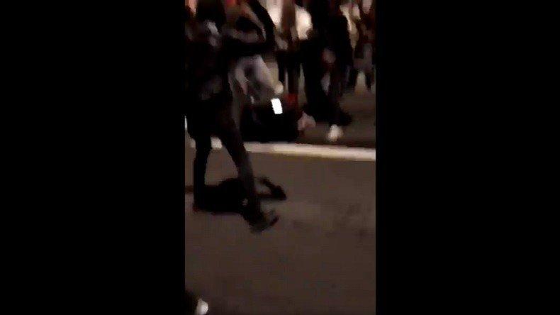 Une policière tabassée au sol : à #Champigny, le réveillon du #NouvelAn dégénère (VIDEOS) ➡️https://t.co/2NWEcOLnLs
