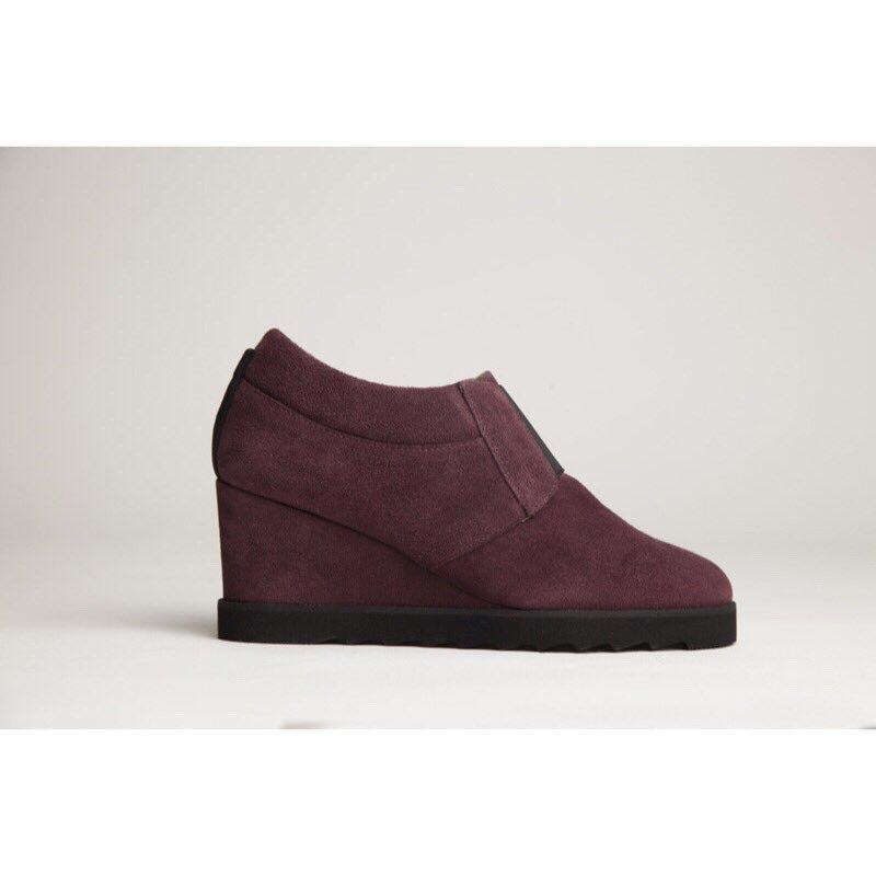 🍇LOLET🍇 ⚡️ ⚡️ ⚡️ #healthysexywalk #shoes #zapatos #shoesfromspain #madeinspain #handmade #coolshoes #whattowear #calzado #footwear #lolet