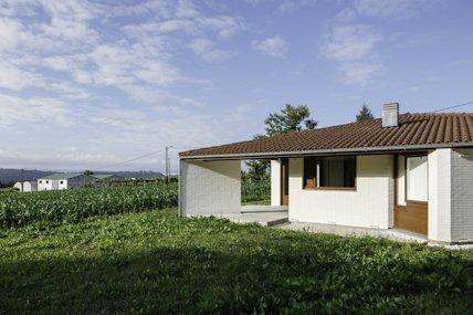 Un Gran Ejemplo De Que La Teja Es Perfecta Para La #arquitectura #moderna.  Http://ow.ly/peYi30hwGBt Pic.twitter.com/i7TJRXMtEw