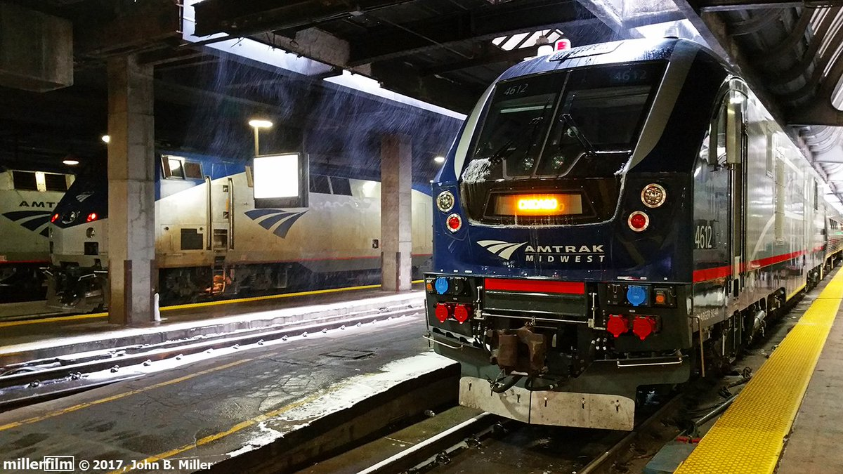 first up photos from kirkwood missouri and chicago union station trains amtrak chicagopictwittercom1lam0wtjkg - Christmas Train Chicago