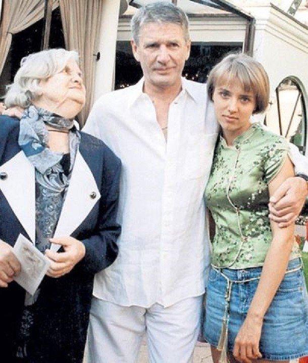 Александр абдулов фото с женой
