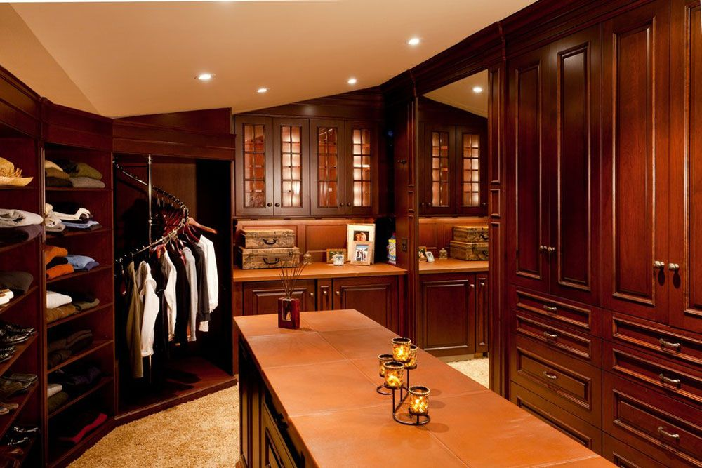 The Closet Should Be Well Lit Which Lets You Properly See The Clothes Colors Get Refr Io Clothes Rack Pic Twitter Com Oseptywcx