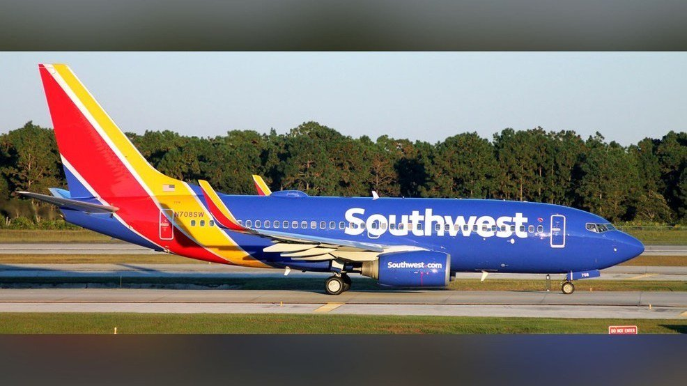 #SouthwestAirlines giving employees $1,000 bonuses after tax reform https://t.co/vT0zqiS64k