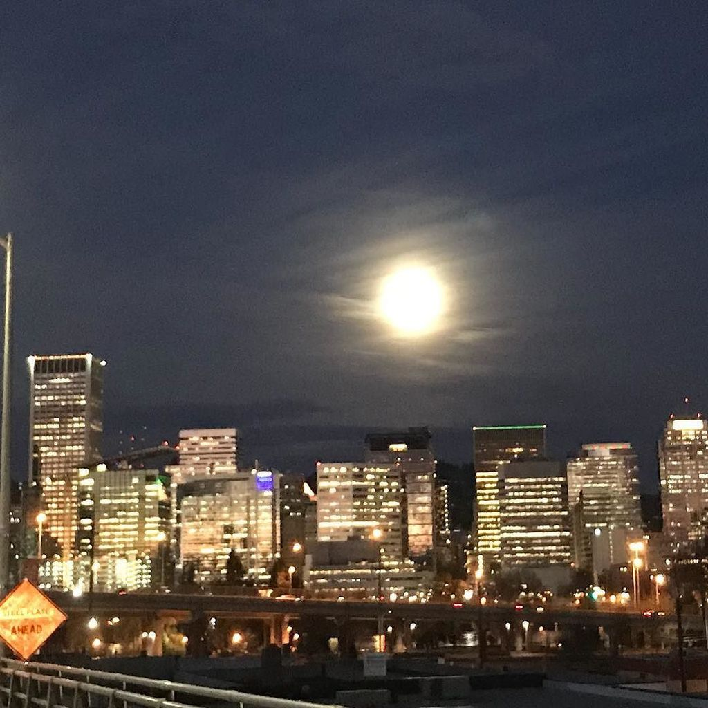Portland Pedal Power On Twitter The Super Moon Was Looking Nice