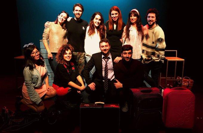 """Genial la función de """"el tren de las 22:27"""" en @TeatrosLuchana 💫❤️ https://t.co/r9J3dBLwbr"""