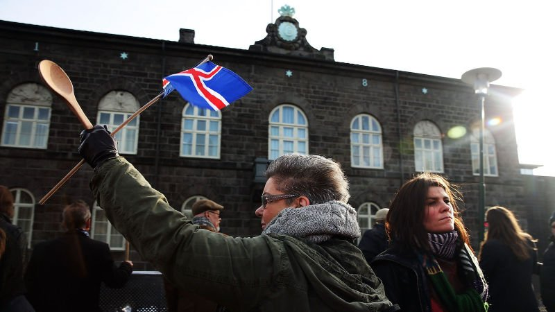 Iceland has made it illegal to pay men more than women for the same work https://t.co/NRcws5IDEs