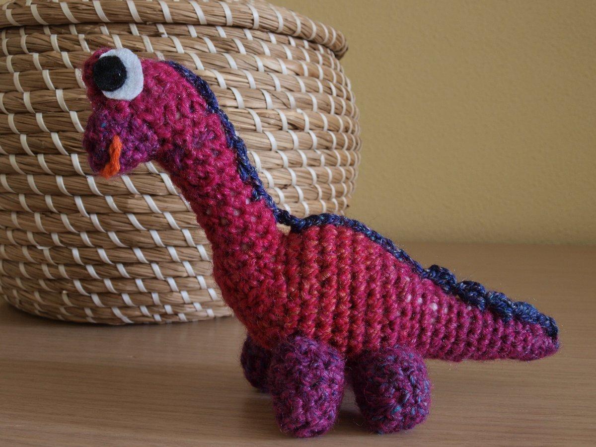 Amigurumi dinosaur crochet pattern - Amigurumi Today | 900x1200
