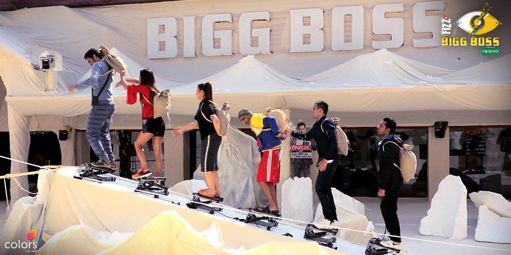 बिग बॉस 11 रिव्यू : माउंट बीबी की चढ़ाई के चक्कर में लड़ पड़े हिना खान और लव त्यागी !