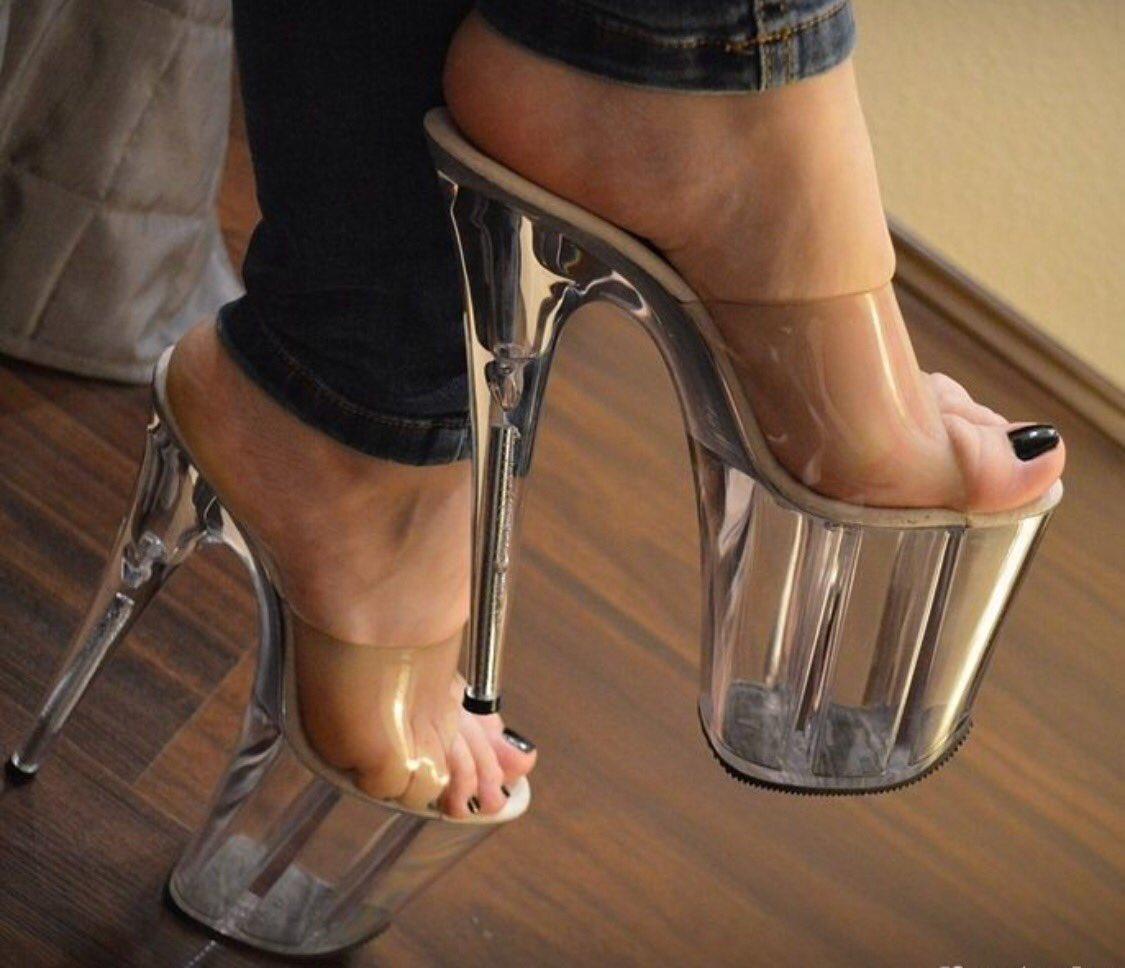 heels Bare fetish feet