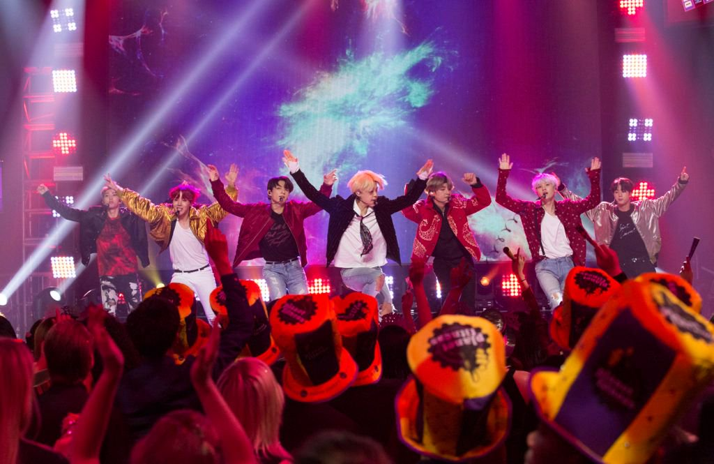 .@BTS_bighit Brings the Moves at New Year's Rockin' Eve with Ryan Seacrest https://t.co/XkrmuSEXTL
