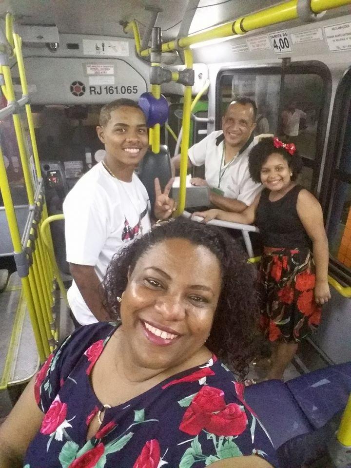 Família passa virada em ônibus para acompanhar o pai https://t.co/jEWqtDzoUo