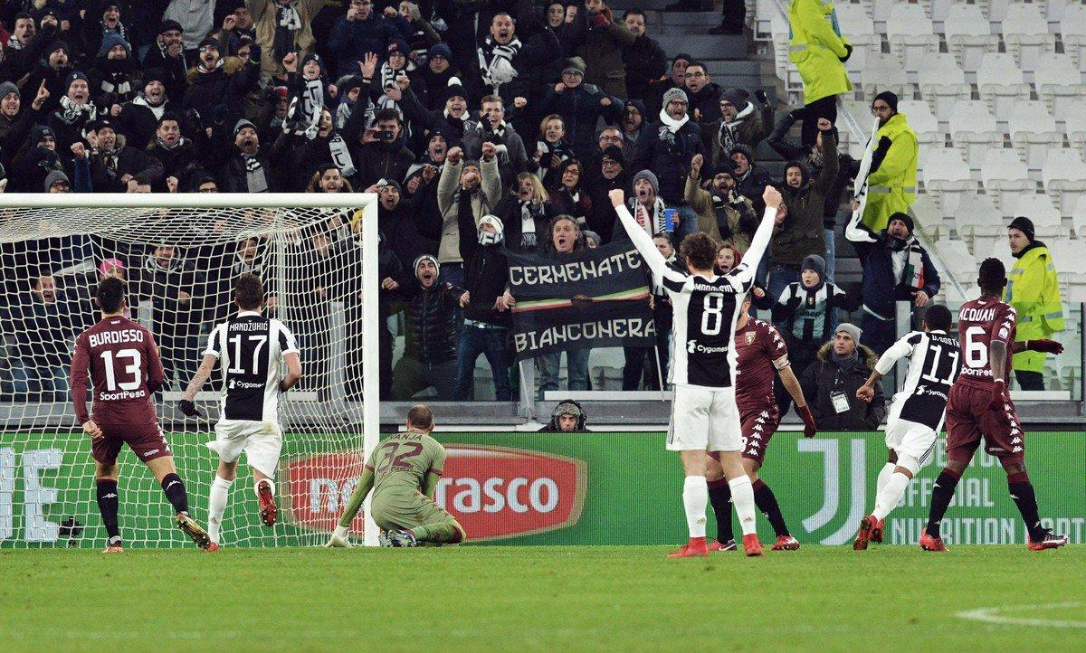 Douglas Costa marca, Juventus vence clássico com polêmica e vai à semifinal da Copa da Itália https://t.co/VUHR1798u1
