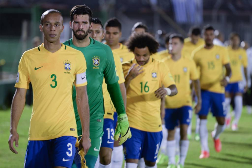 Onde os titulares da Seleção foram revelados:   Alisson (Internacional) Dani Alves (Bahia) Miranda (Coritiba) Marquinhos (Corinthians) Marcelo (Fluminense) Casemiro (São Paulo) R. Augusto (Flamengo) Paulinho (Juventus-SP) Coutinho (Vasco) Neymar (Santos) G. Jesus (Palmeiras)