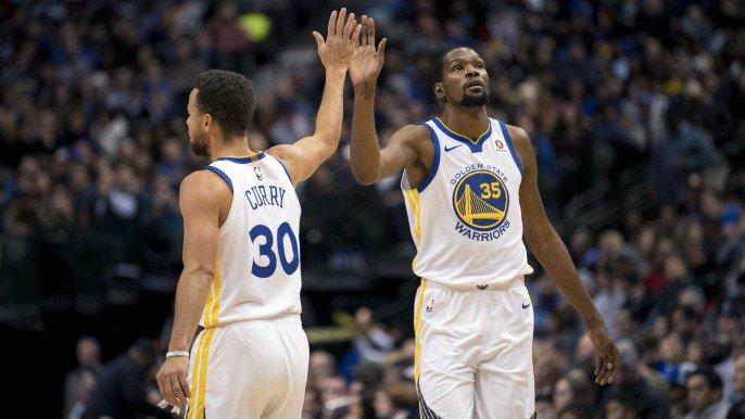 Curry drills game-winning three in closing seconds to sink Mavericks  https://t.co/tbn20Zq98u https://t.co/x4Ho1dsBdi