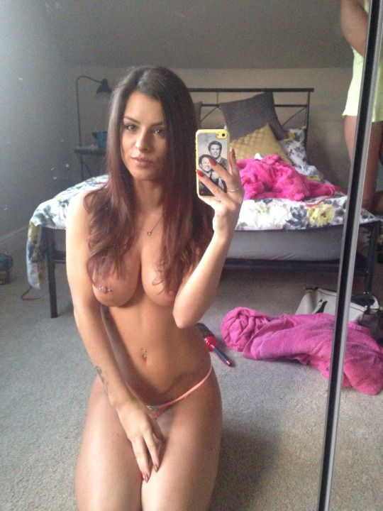 Cell phone selfies pussy play, sexy grils pubis images