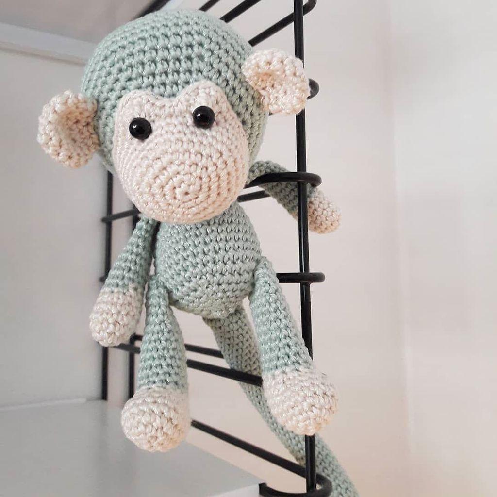 Mimi the Monkey Free Amigurumi Pattern | Jess Huff | 1024x1024
