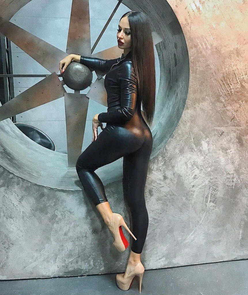 Turkish spandex milf