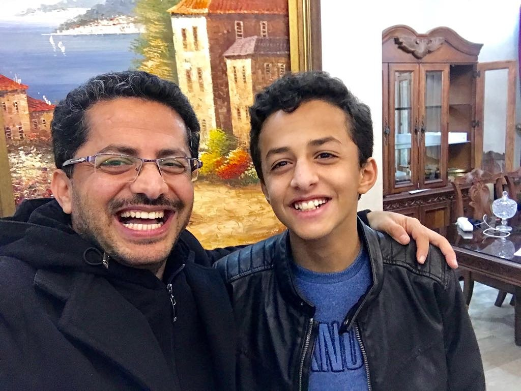 قد انا #اطول من #ابي  @Ali_Albukhaiti ht...
