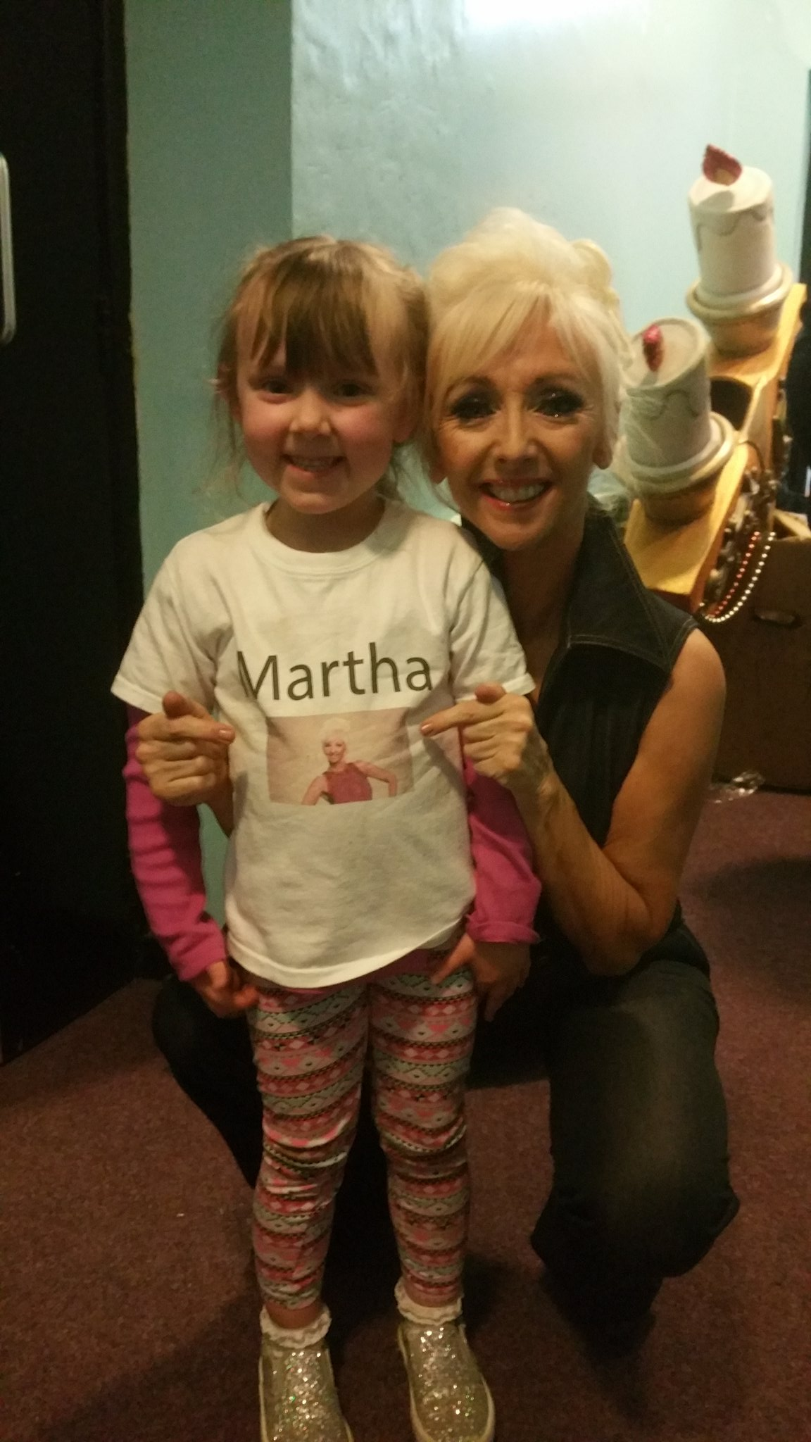 My number 1 fan came to the show with a pic of me on her Tshirt Isn't she adorable 😊 https://t.co/tQSDABdo8I