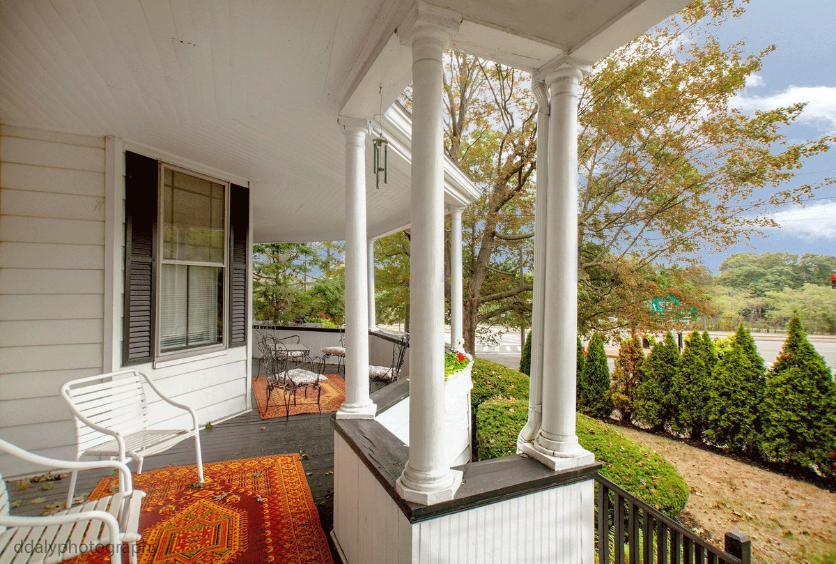 Need quality photos of your real estate. Contact ddalyphotography@gmail.com Visit http://ddalyphotography.com Relaxing porch. #realestate #porch #columns #railings #windchimes #MA #ironchairs #outdoors #Rugs  #Evergreen #blueskies #quiet #times #autumn #lazy #newton #photo #canonpic.twitter.com/xwcY4YyaAE