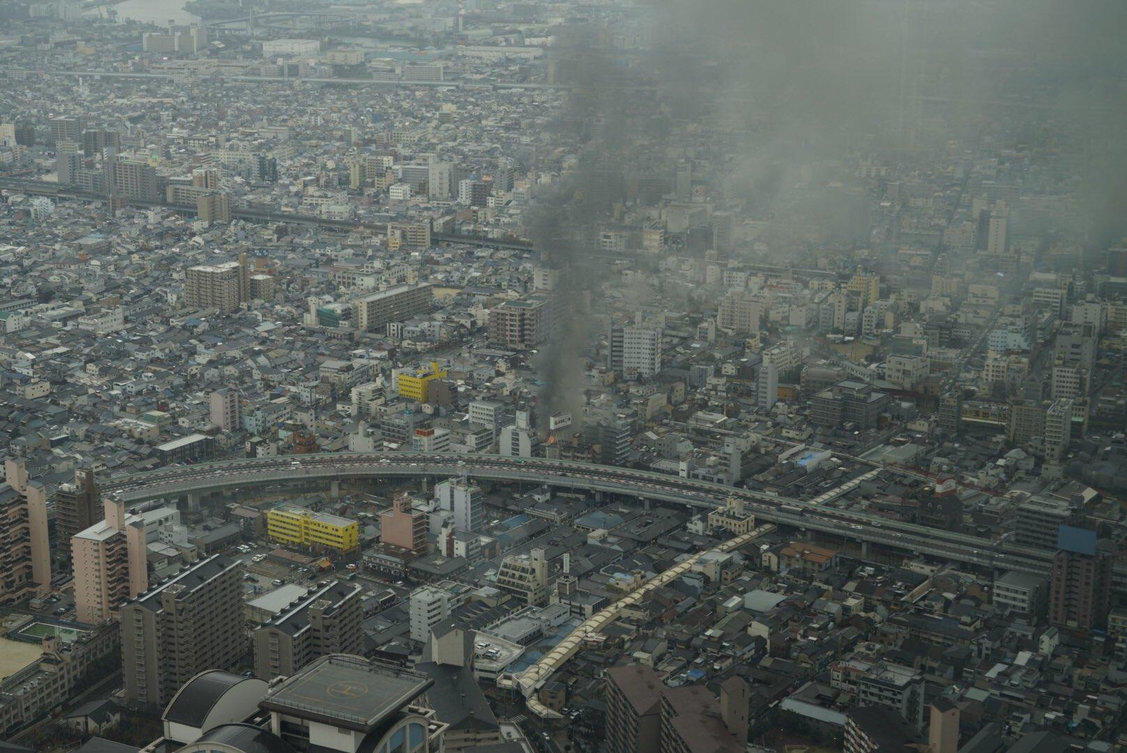 画像,マリオット都ホテルで飯食ってたら火事発見。うちのばーちマンションでもボヤがあったばかりやから人ごとには思えない。#火事 #大阪 https://t.co/iXJ…