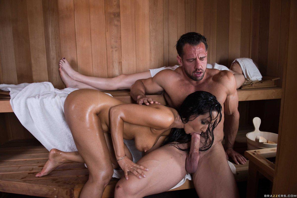 Порно изменила мужу в бане