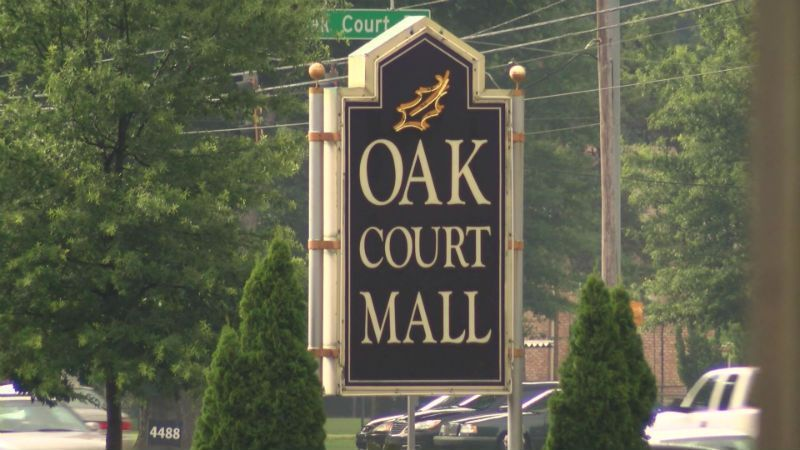 Oak Court Mall requiring parents or legal guardians to accompany juveniles #wmc5 >>https://t.co/9jDOUjSLO9