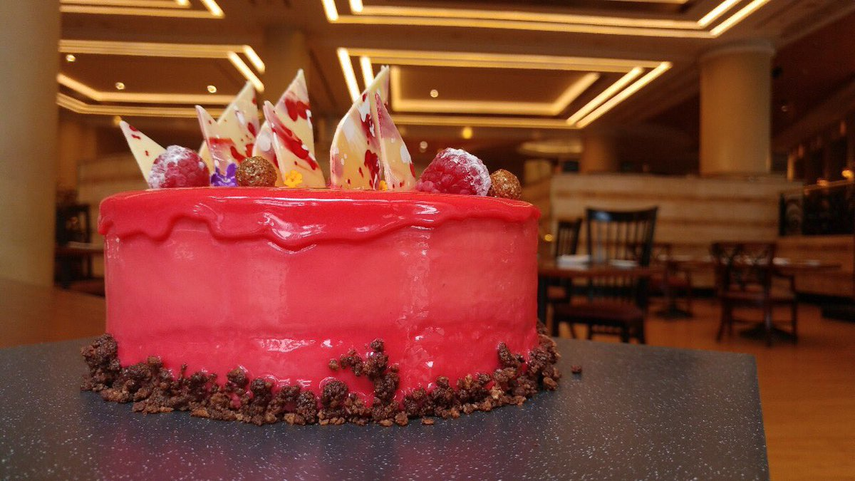 Let's celebrate the New Year with our cake of the month, Local Fashionate! #jwmarriottjkt https://t.co/UqRgT4o1Hr