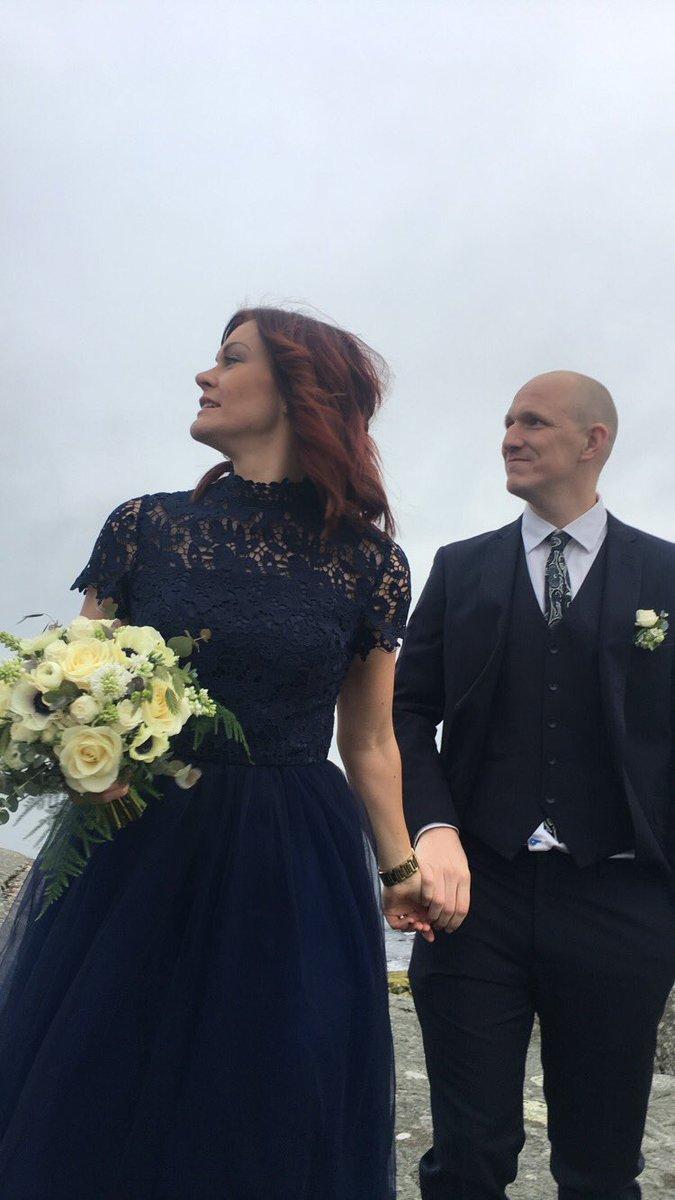 df63a452ccd7 Att leverera tredelad kostym och även medverka som vittne vid finaste  parets vigsel är en stor del av vårt liv...#vigsel @kallbadhusetikarlshamn  ...