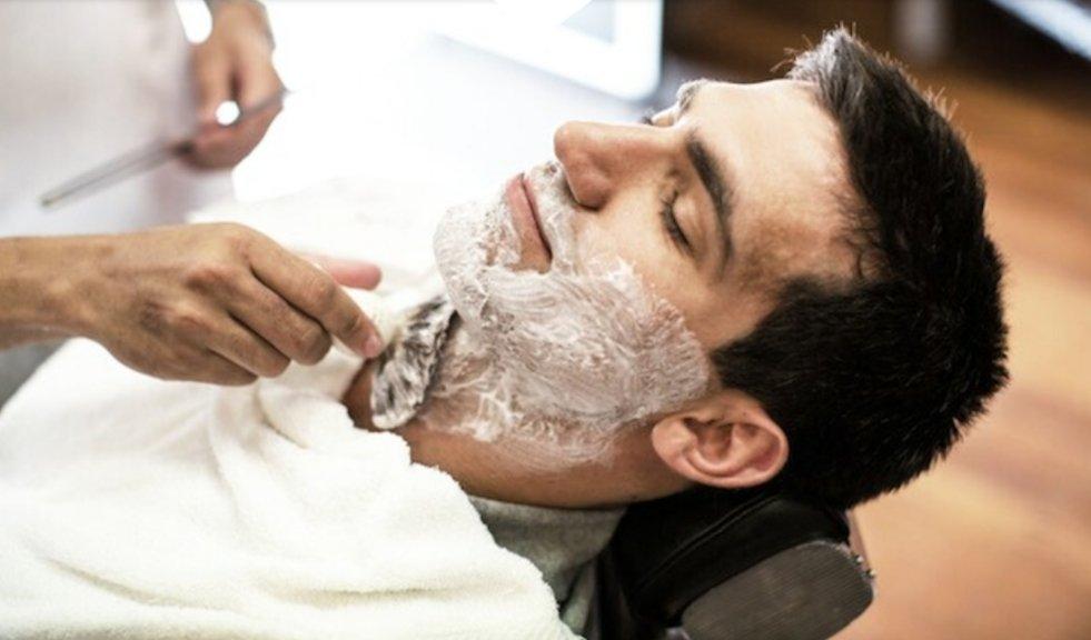 Ladies facial shave photos in barbershop — photo 4