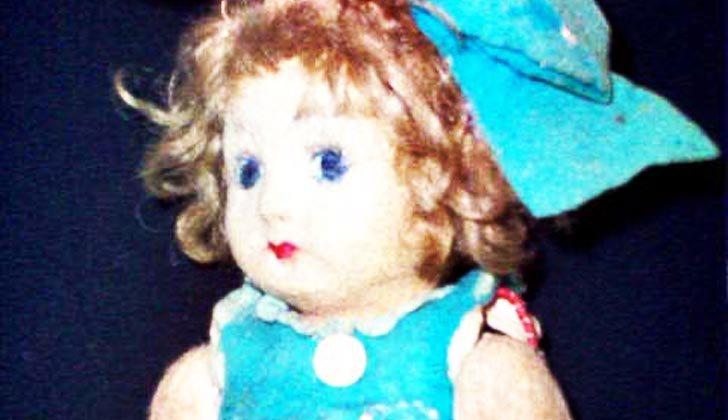 Worpyerinparty On Twitter Malam Hari Ini Airin Mau Bahas Tentang Kisah 8 Boneka Hantu Terseram Di Dunia