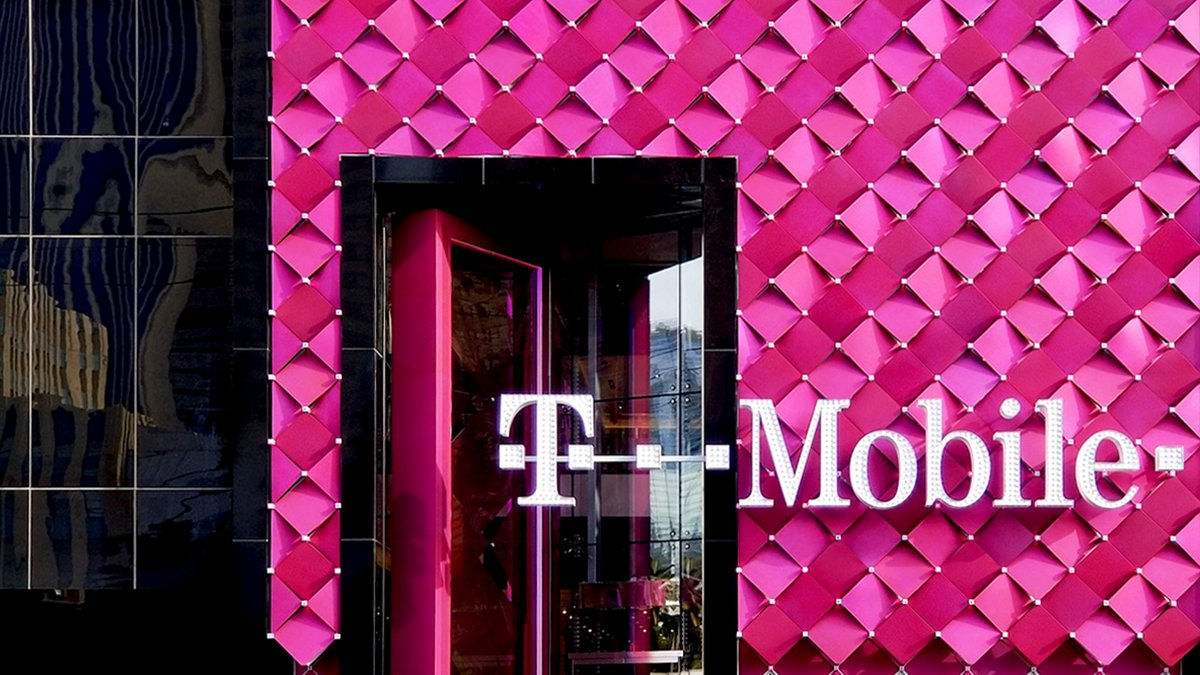 T Mobile On Twitter The Las Vegas Strip S Latest Showstopper Is