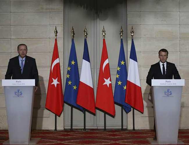 إردوغان يقول إنه سيبحث التعاون الدفاعي في زيارته لفرنسا DSzFxyEWkAYBHvQ
