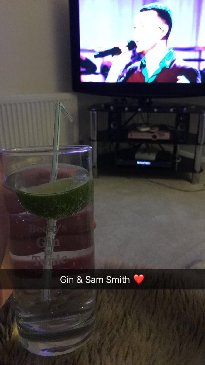 What Fridays were made for .. @samsmithworld & gin 👌🏻